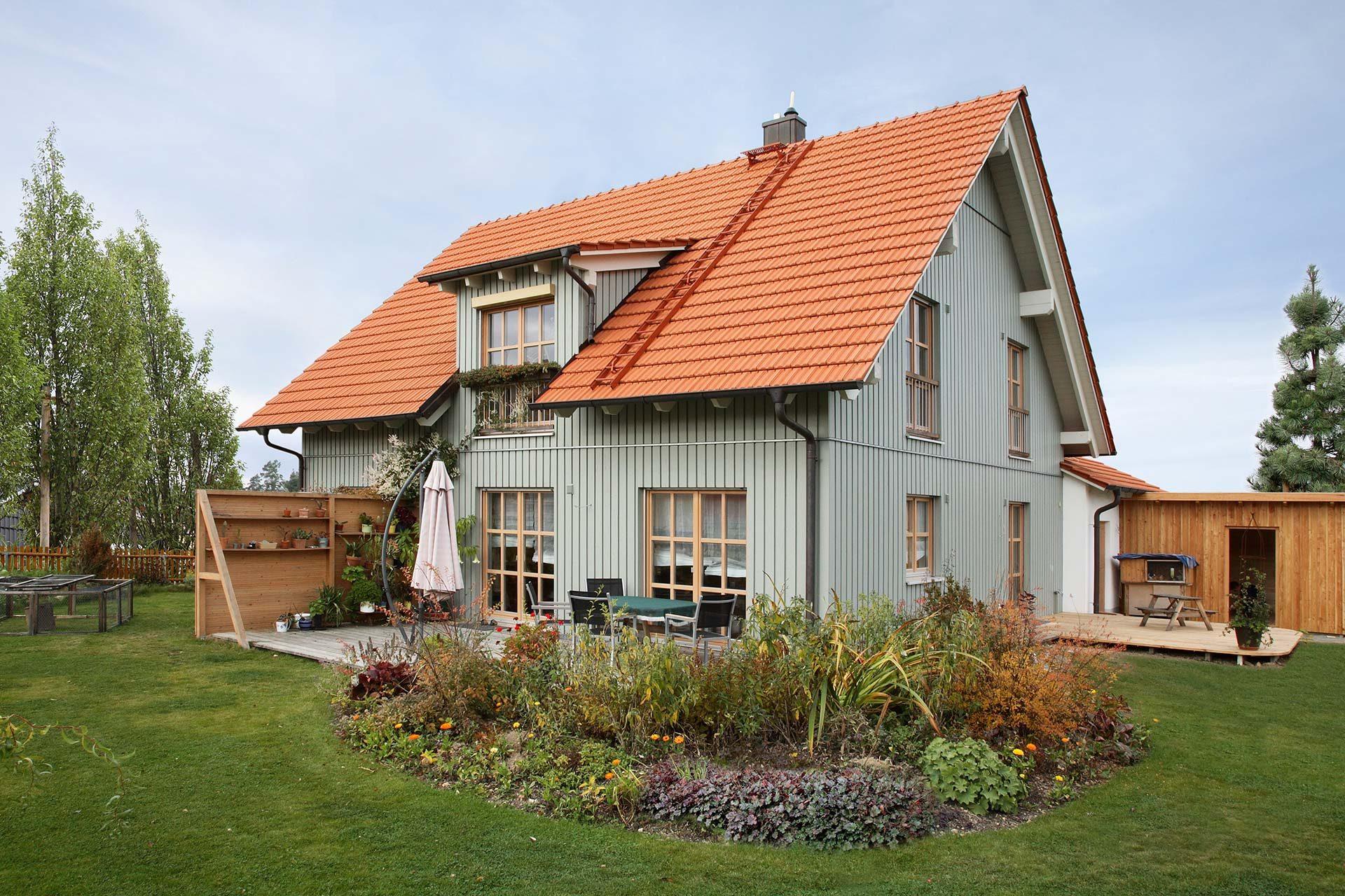 Rustikales Haus in Holzrahmenbauweise